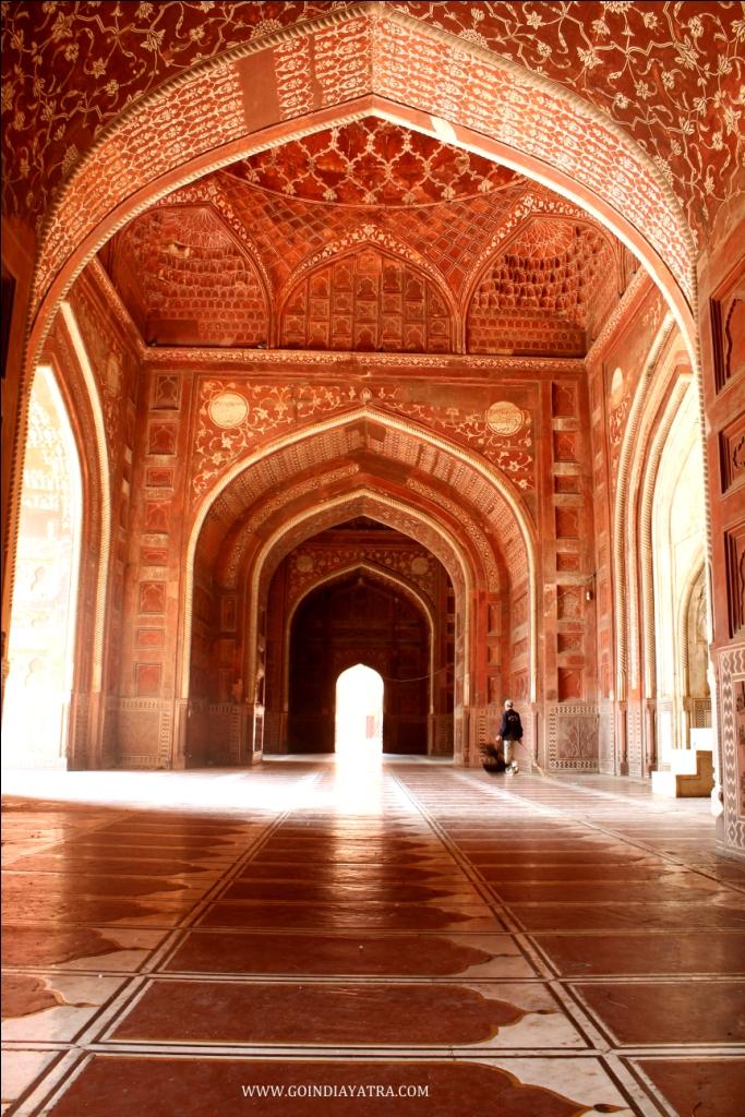 mosque area inside taj mahal