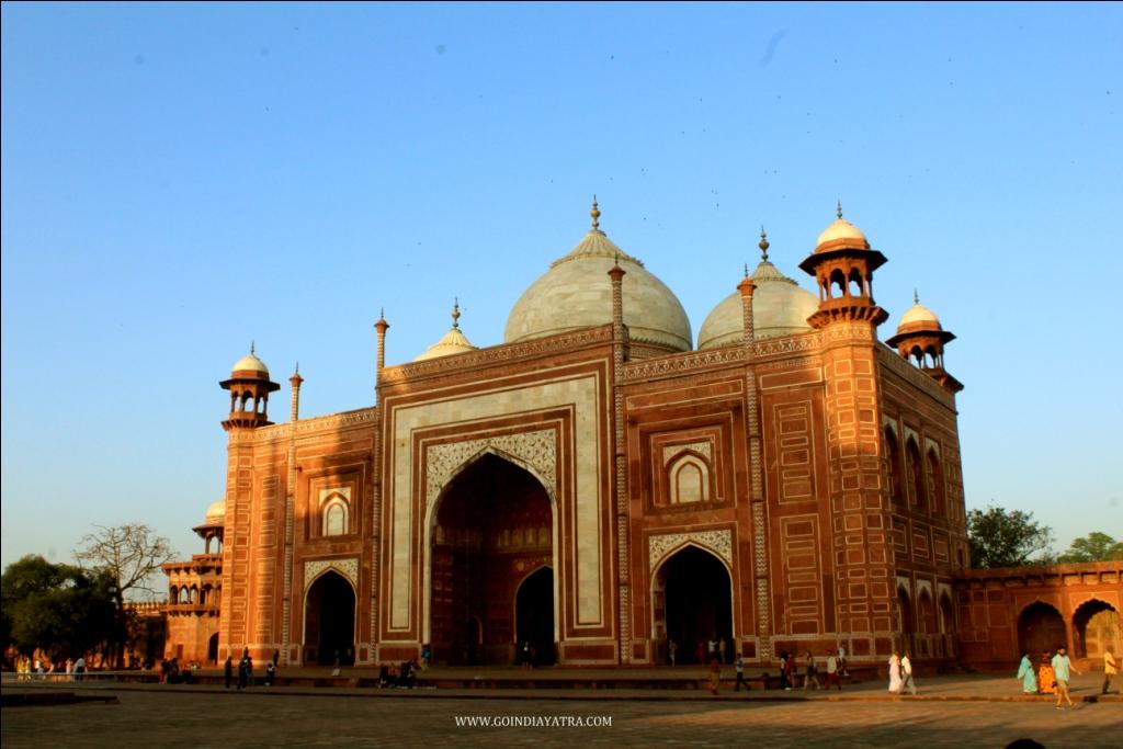 Taj Mahal Mosque inside, goindiayatra blog